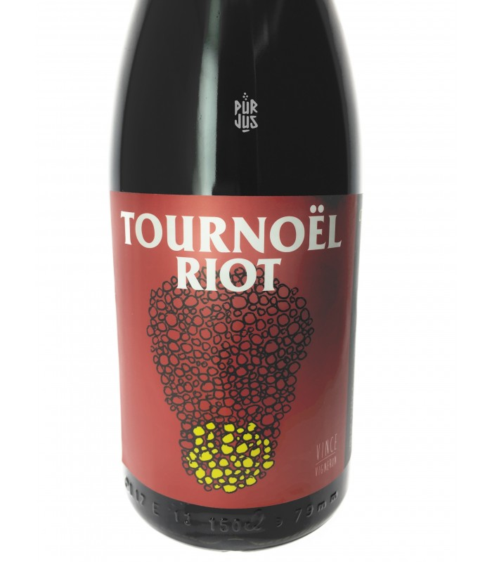Tournoël Riot - 2015 - No Control - Vincent Marie - Magnum